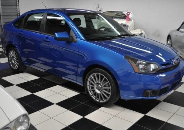 great 2011 ford focus ses electric blue 17 double. Black Bedroom Furniture Sets. Home Design Ideas
