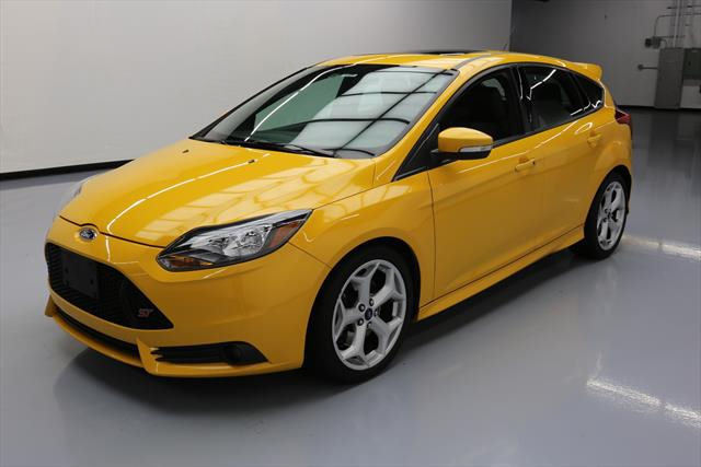 amazing 2013 ford focus st hatchback 4 door 2013 ford. Black Bedroom Furniture Sets. Home Design Ideas
