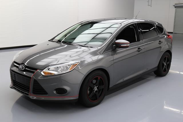 awesome 2014 ford focus se hatchback 4 door 2014 ford. Black Bedroom Furniture Sets. Home Design Ideas