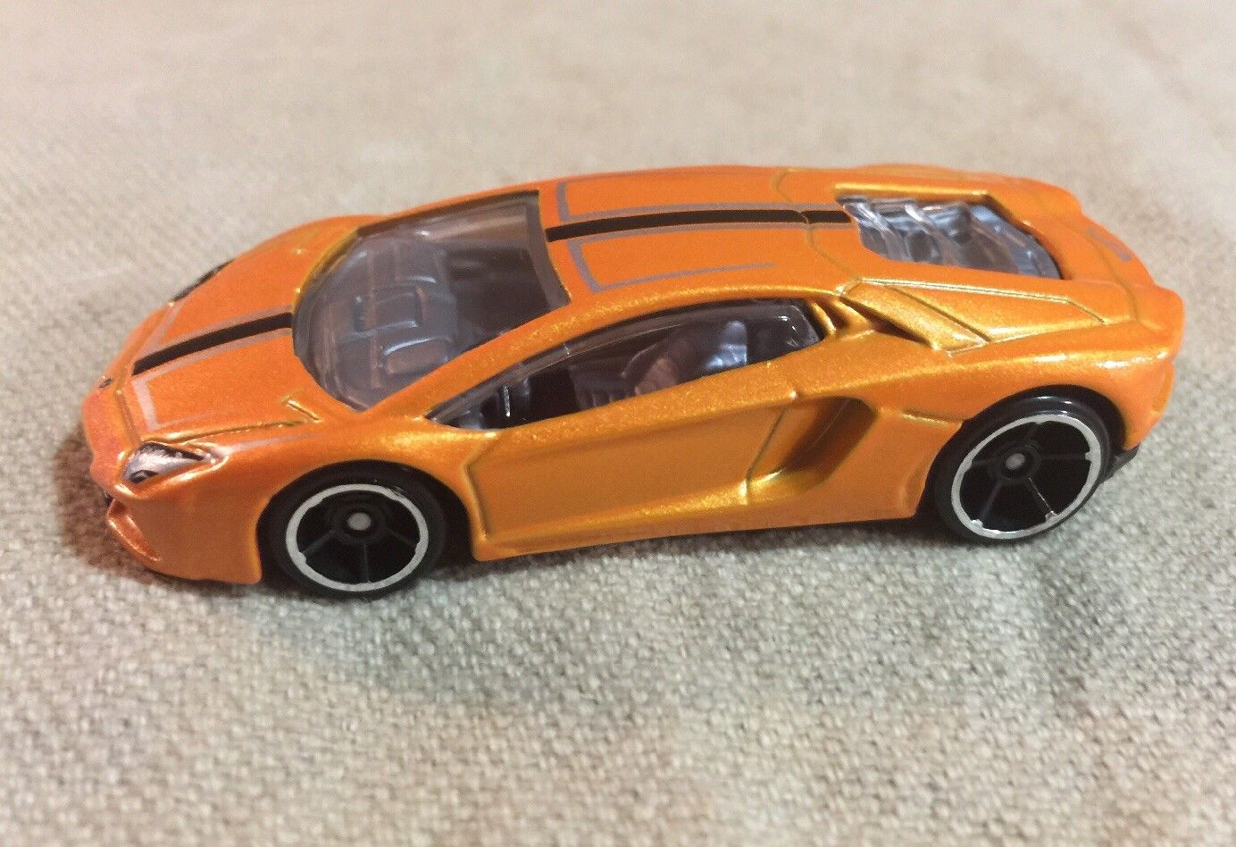 amazing 2016 hot wheels lamborghini aventador lp 700-4 exotics loose
