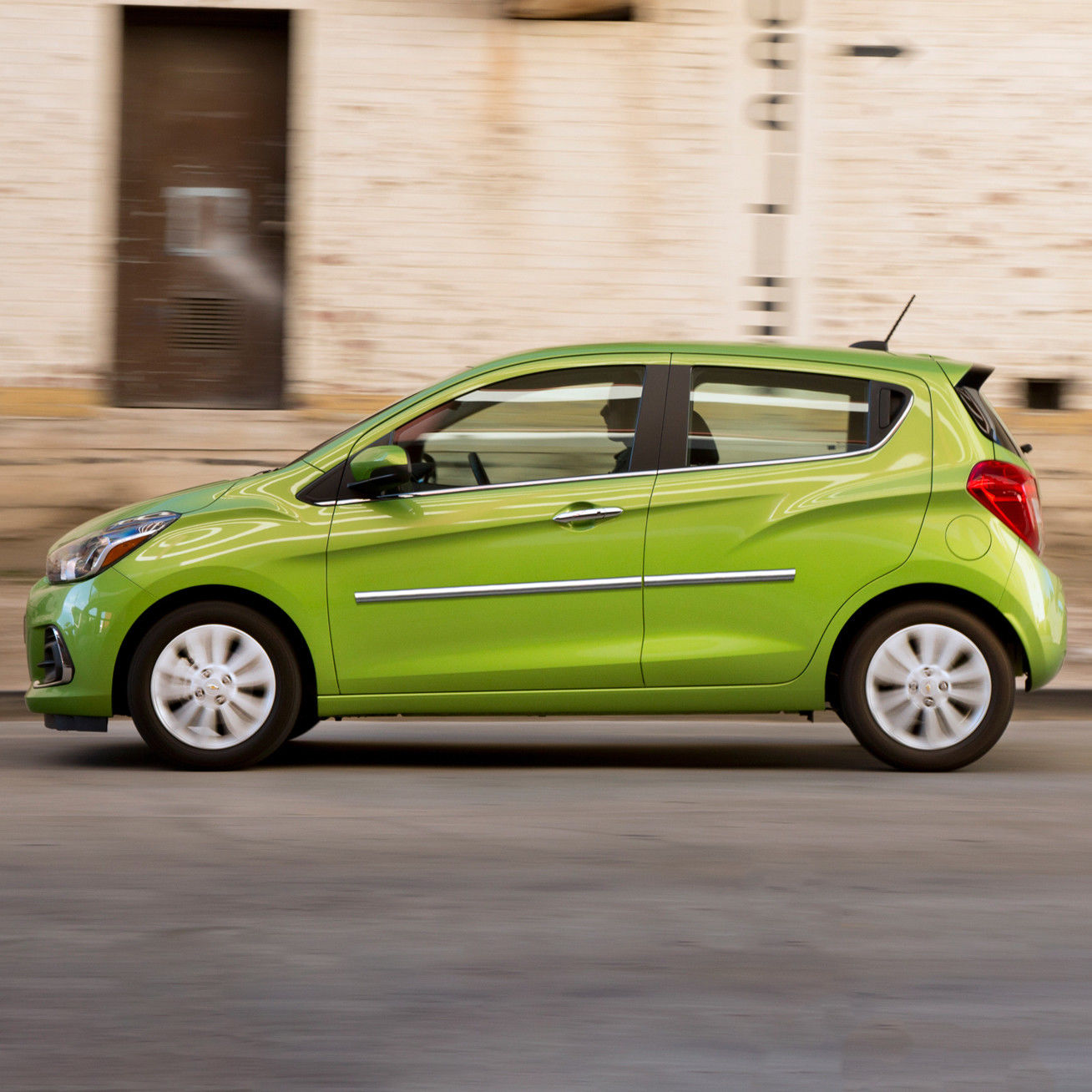 2018 Chevrolet Spark Camshaft: Great BODY SIDE Moldings CHROME Trim Mouldings For