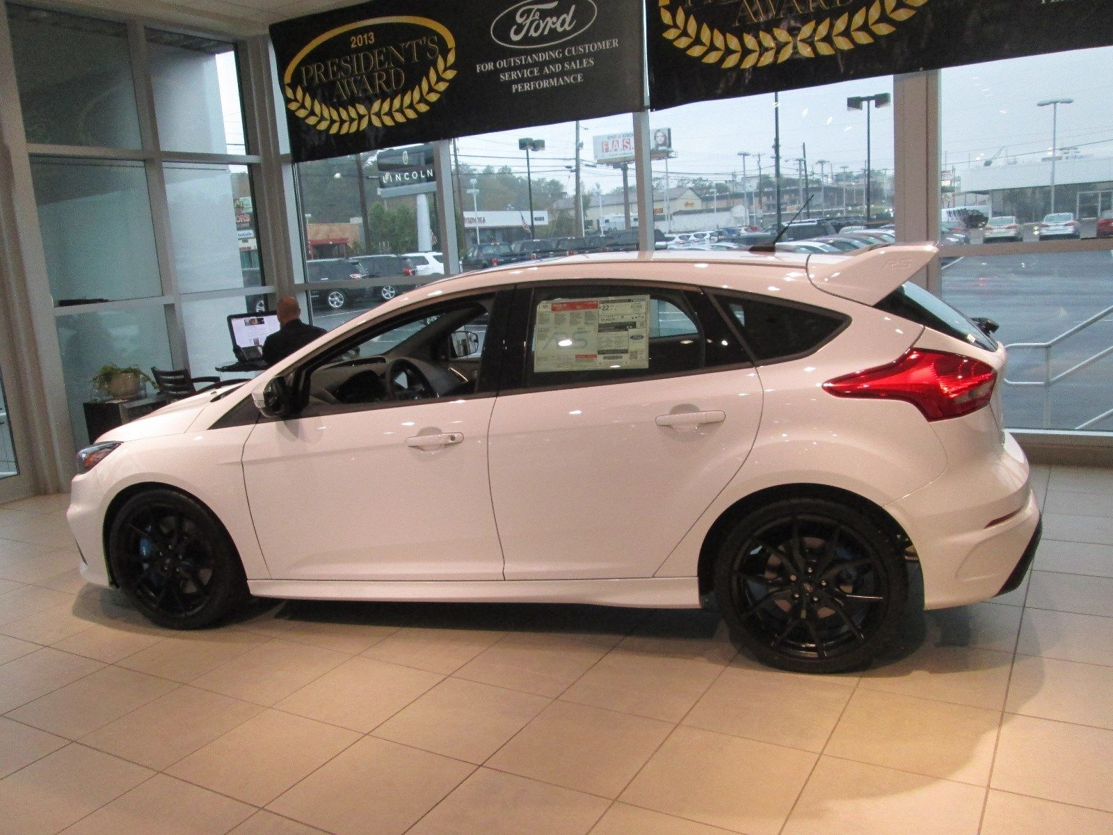 amazing 2017 ford focus rs 2017 ford focus rs brand new only 20 miles frozen white. Black Bedroom Furniture Sets. Home Design Ideas