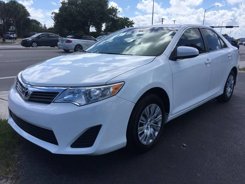 White Toyota Camry >> Amazing 2014 Toyota Camry Le 4dr Sedan 2014 Toyota Camry Le 4dr