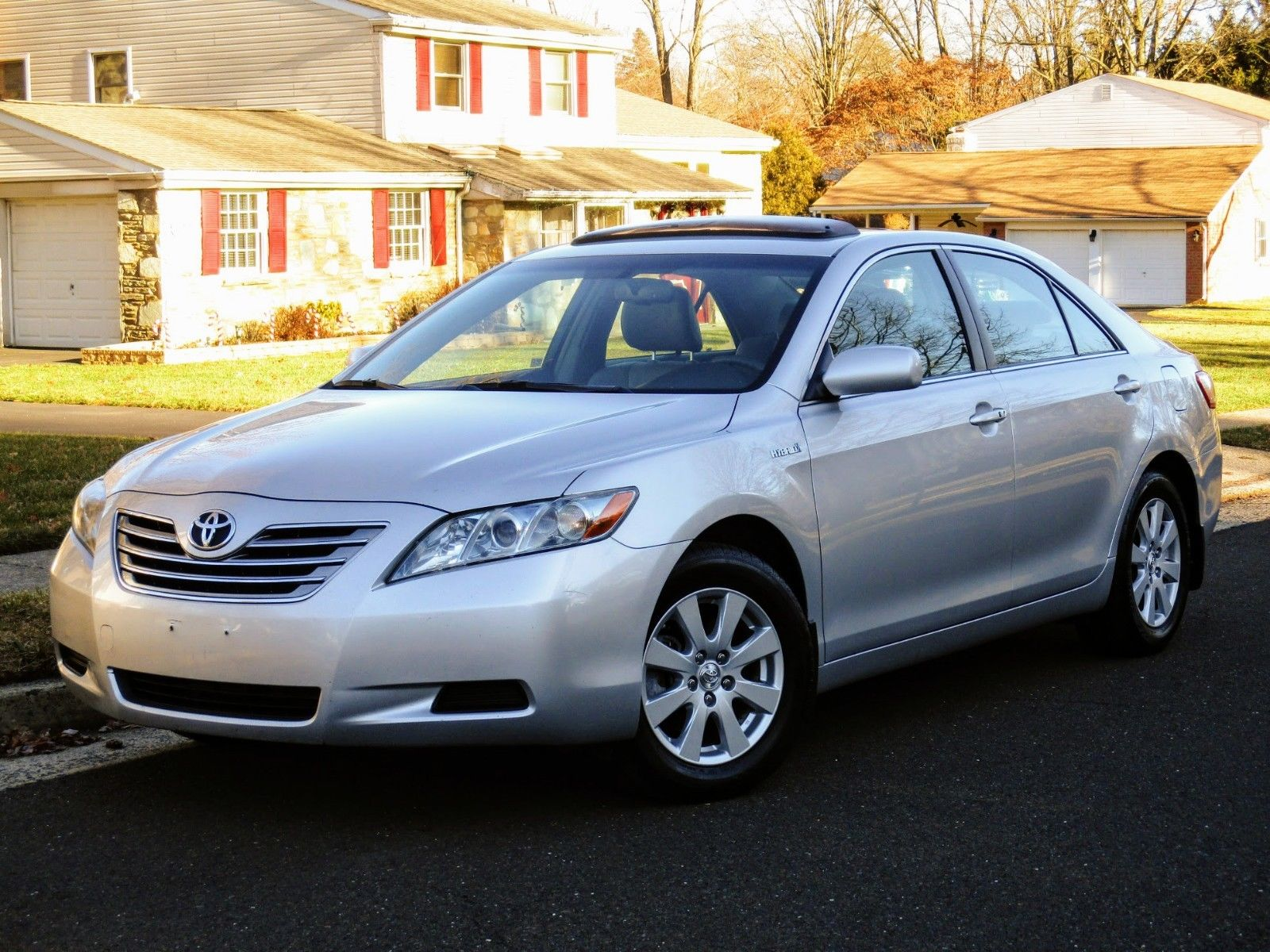 Amazing 2009 Toyota Camry Hybrid No Reserve Clean Carfax 34 Mpg Leather Navigation Bluetooth Smart Key Sdn 2018 2019