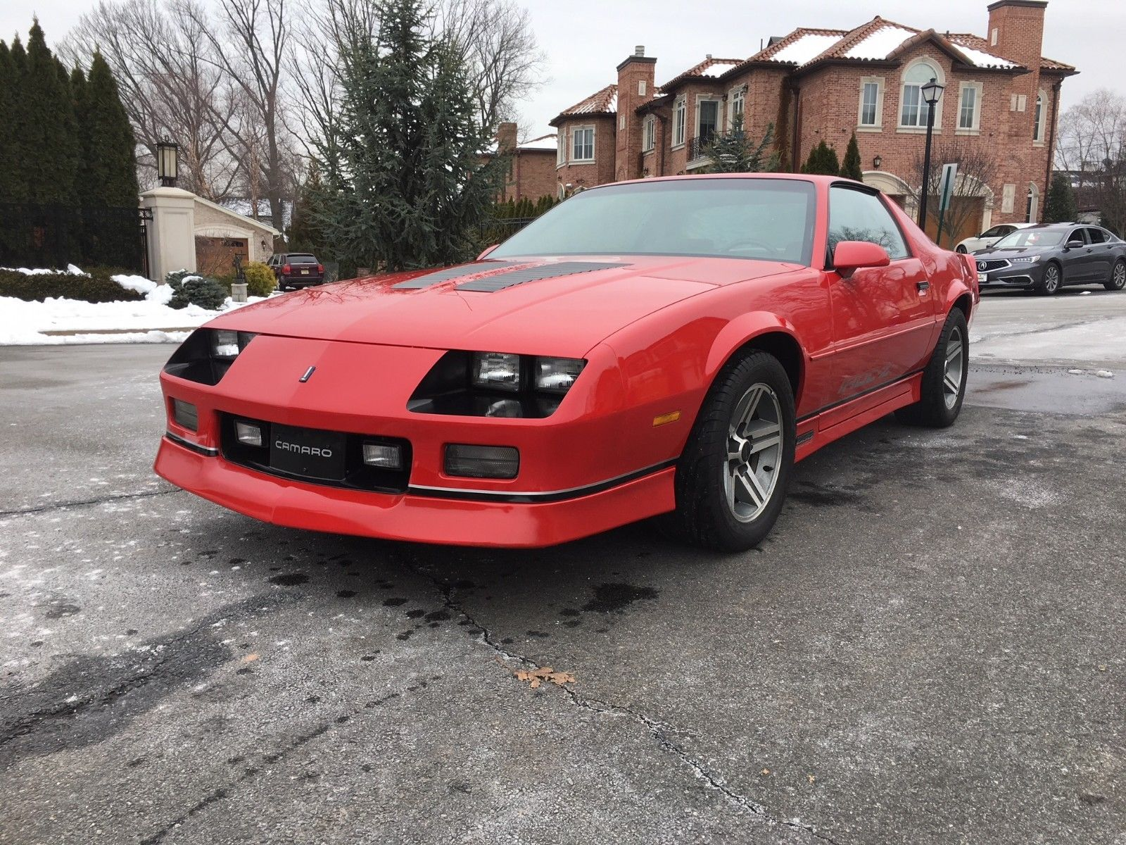 Awesome 1986 Chevrolet Camaro Iroc Z28 1986 Chevrolet Camaro Iroc Z28 with  19325 Original Miles!! MUST SEE!! 2018-2019
