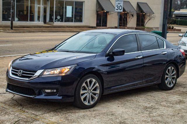 Amazing 2017 Honda Accord Sport Sedan 4d 27600 Miles Blue 4 Cyl I Vtec 2 Liter 2018