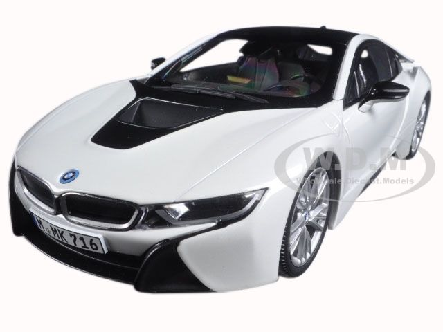 Great Bmw I8 Crystal White 1 18 Diecast Model Car By Paragon 97083