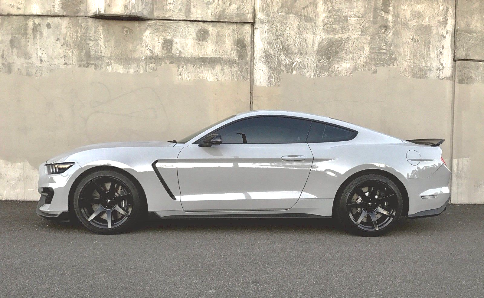 awesome 2017 ford mustang gt350 2017 ford mustang shelby. Black Bedroom Furniture Sets. Home Design Ideas
