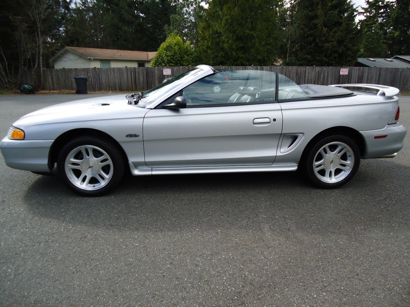 Amazing 1998 Ford Mustang Gt 18k Original 4 6 Silver Convertible 5 0 Rag Top Pony 2 Door 2018 2019