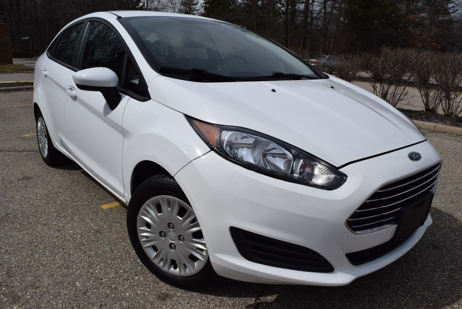amazing 2016 ford fiesta s edition 2016 ford fiesta s 4. Black Bedroom Furniture Sets. Home Design Ideas