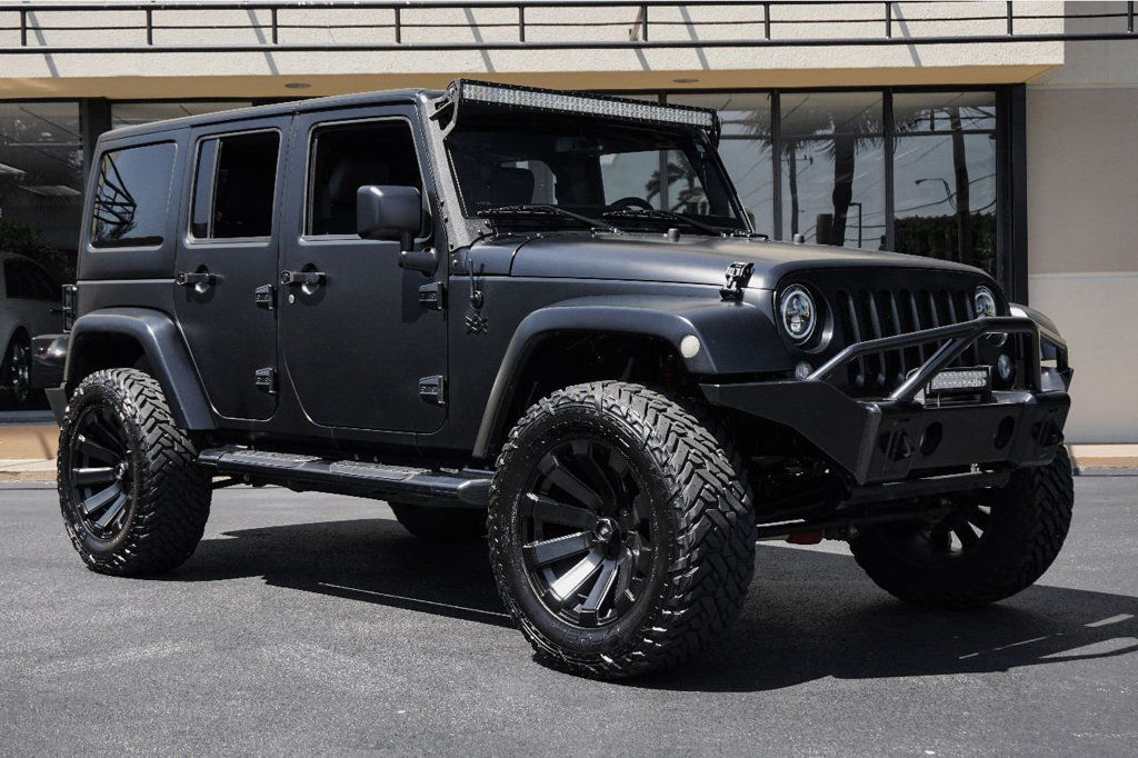 Awesome 2017 Jeep Wrangler Sport Unlimited Fully Loaded And Professionally Modified We Finance 2019
