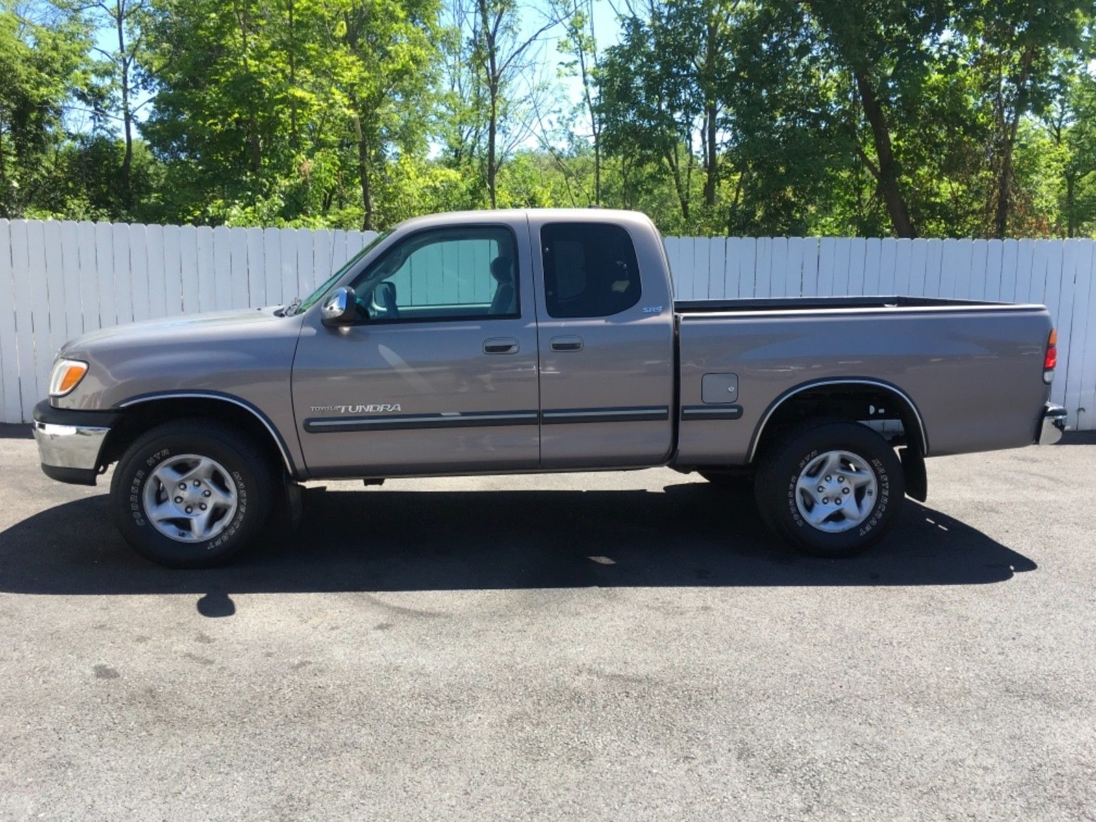 Awesome 2002 Toyota Tundra SR5 2002 Toyota Tundra SR5 4wd 4 7 Liter i-Force  Low Miles Accident Free AutoCheck 2018-2019