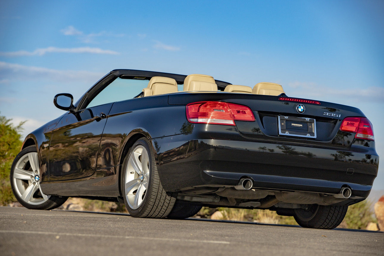 Awesome 2010 Bmw 3 Series Twin Turbo Convertible Only 45k