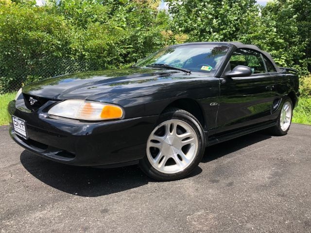 Awesome Ford Mustang Gt Convertible 1998 Fordmustanggt Convertible75127 Milack Clearcoat With Black Top4 6l V8 S 2018 2019